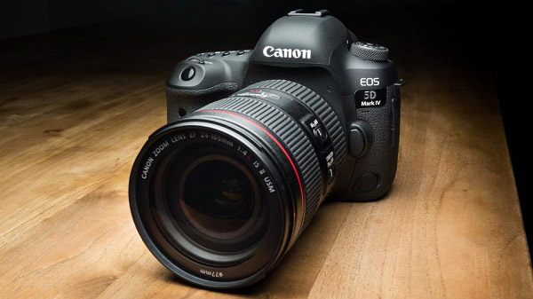 Canon-EOS-5D-Mark-IV--Beginner-DSLR-Camera