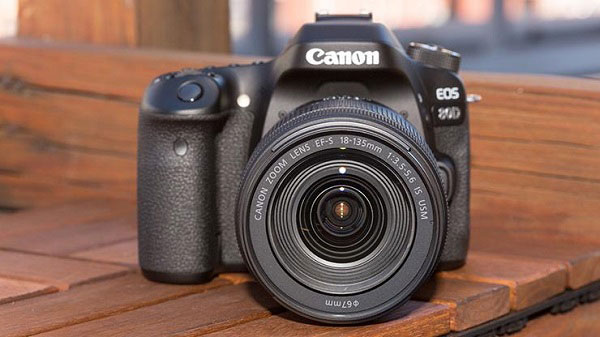Canon-EOS-80D---Beginner-DSLR-Camera