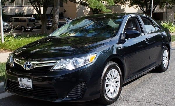 Toyota Camry Hybrid ( 2012