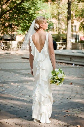 V-Shape classic Backless Wedding Dress