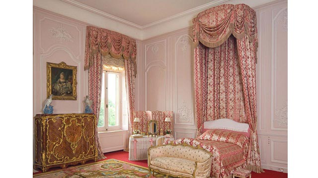 Traditional Curtain Design Ideas