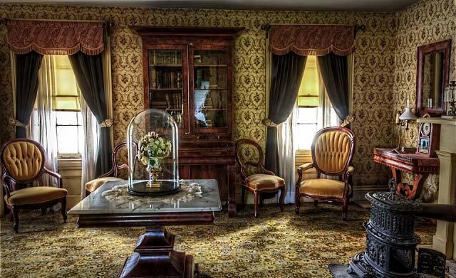 Victorian Historic Curtain Room Design