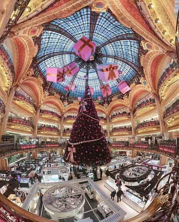 Galeries Lafayette - relaxing things to do in paris