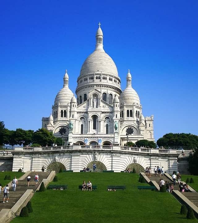 Sacre-Coeur - relaxing things to do in paris