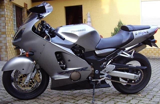 Kawasaki ZX 12R Top Sports Bikes