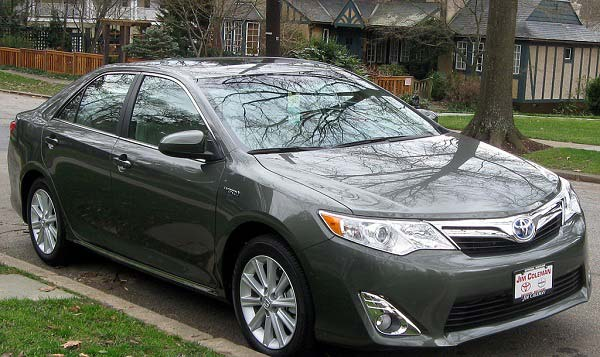 Toyota Camry Hybrid ( 2014 )