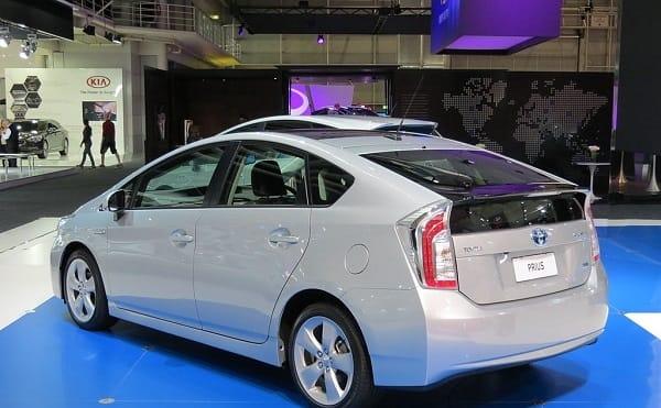 Toyota Prius ( 2014 )