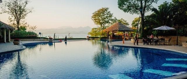 Beautiful Modern Swimming Pool Design