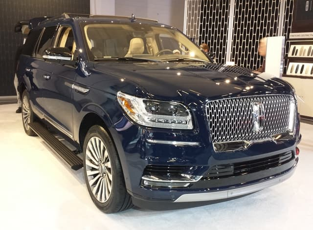 Lincoln Navigator - Luxury Cars List