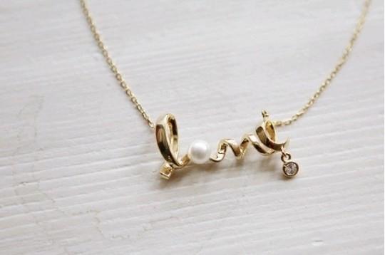 love locket - valentine' day gift ideas for girlfriend