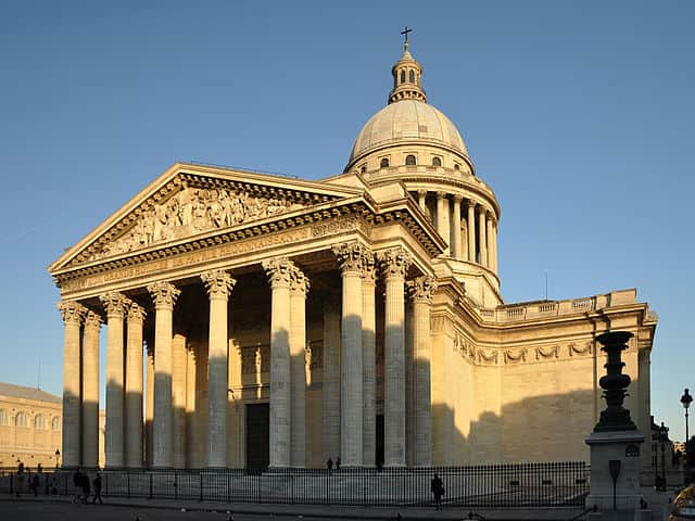 Pantheon - relaxing things to do in paris