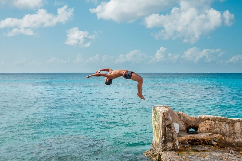 Cliff diving-