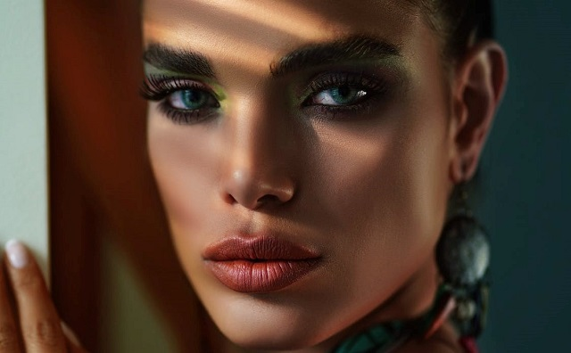 Order Colored and Cosmetic Contacts Online A Guide for Buyers